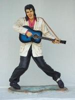ifesize Elvis Presley met gitaar model 1131