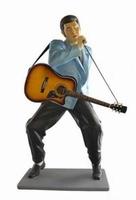 Elvis zingend met gitaar en microfoon model ST6634