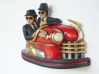the Blues Brothers in een botsauto model 2088a lengte 103 c