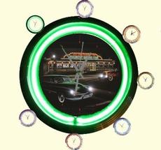 02 neonklok model mickeys diner