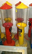 2 staande gumball machines