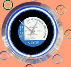 02 neonklok model Blue Note